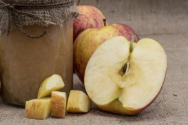 Homemade sugar free apple sauce - yum!