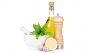 Olive oil, lemon and a bit of salt - the base for fantastic salad dressings.