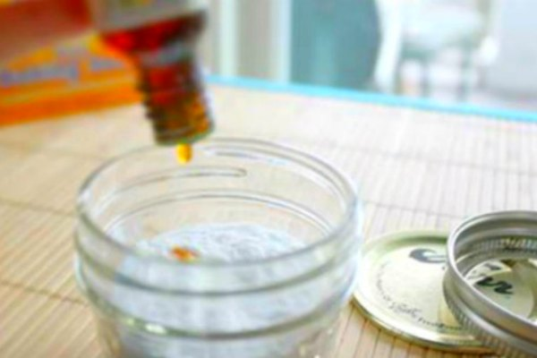 2-Ingredient DIY Deodorant that WORKS!