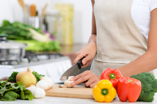 Eating more fresh fruits and veggies can help you lose belly fat and keep it off.
