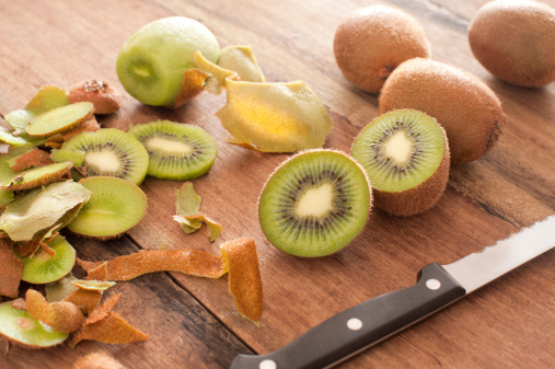 Can You Eat Kiwi Skin? It Depends.