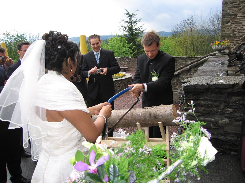 Traditional wedding in your country - ESL Forums - English Club