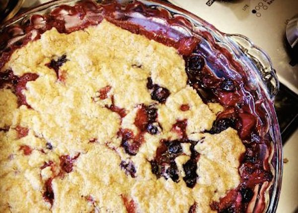 mixed-berry-crumble
