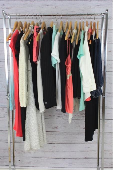 adding-color-to-capsule-wardrobe