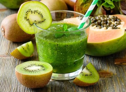 Papaya Kiwi Green Smoothie