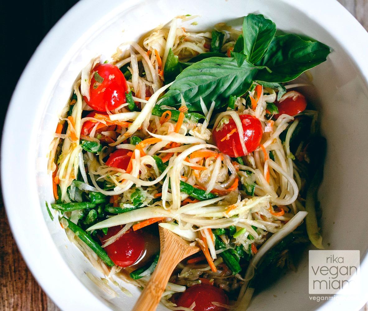 Papaya Asian salad