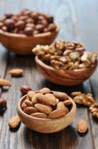 Almonds and cachews improve blood sugar regulation