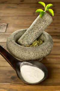 Stevia-leaf-and-powder