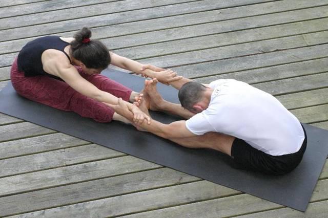 4 Beginner Friendly Partner Yoga Poses