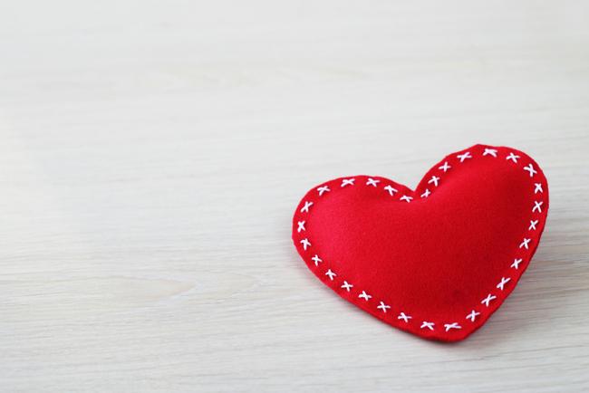 valentine, valentine's day, valentine's crafts, heart shaped, eco-friendly crafts, kids crafts, holiday crafts, february, paper flowers, garlands, hearts