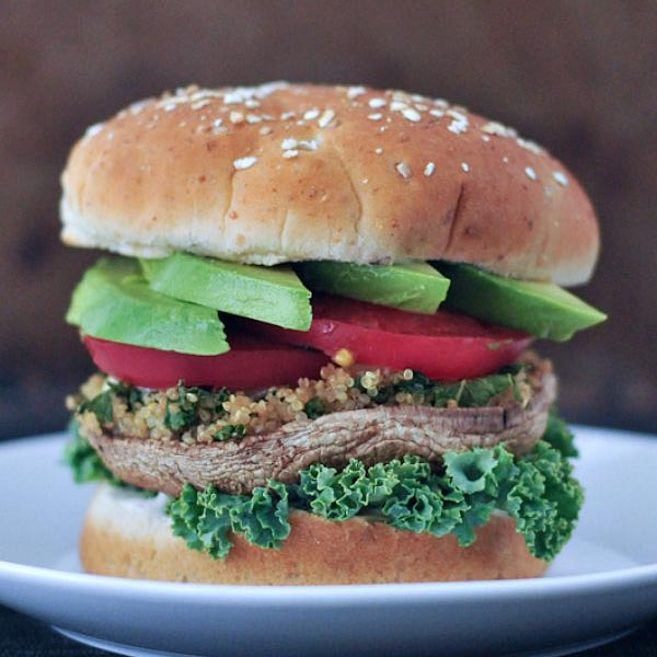 Garlic Kale Stuffed Mushroom Burger from Spabettie