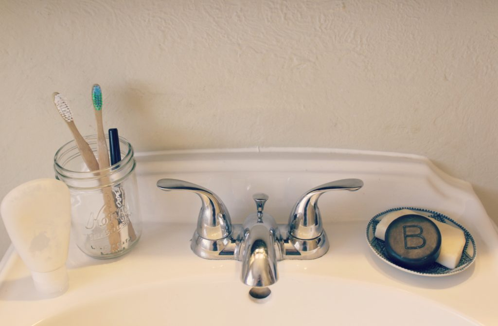 Zero-Waste-Bathroom-3-1024x670