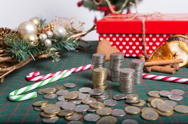 Manage Money Better During the Holiday Season