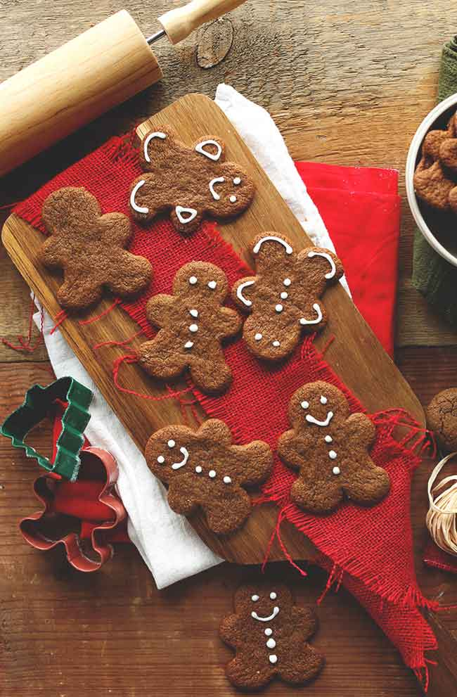 Vegan Gingerbread Cookies from Minimalist Baker - Care2