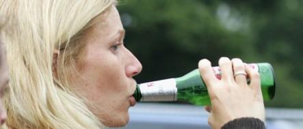 gwyneth-paltrow-drinks-1024x439