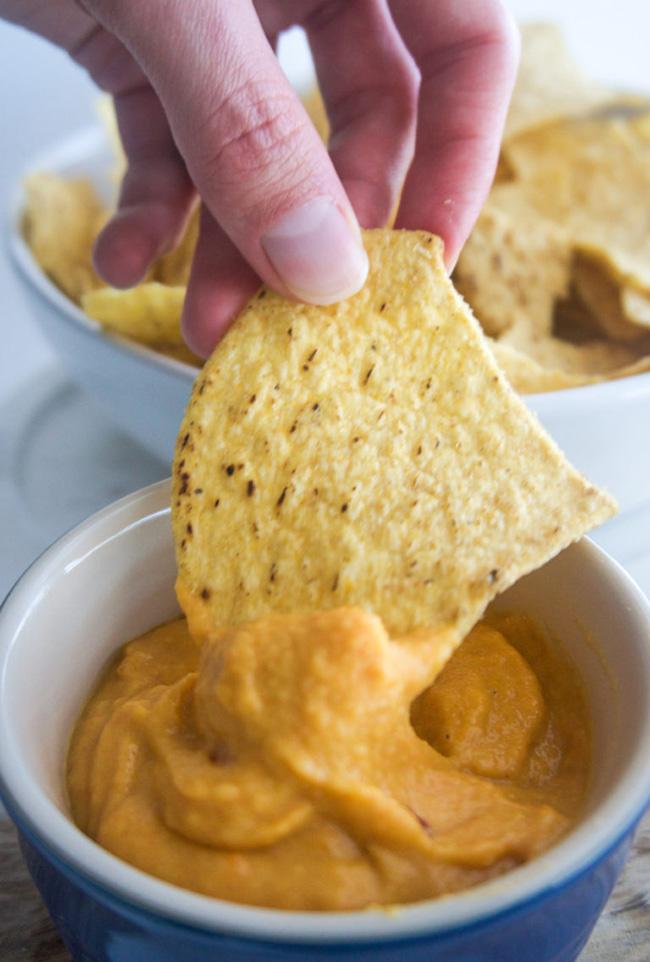 Vegan-Cheese-Sauce-forkandbeans