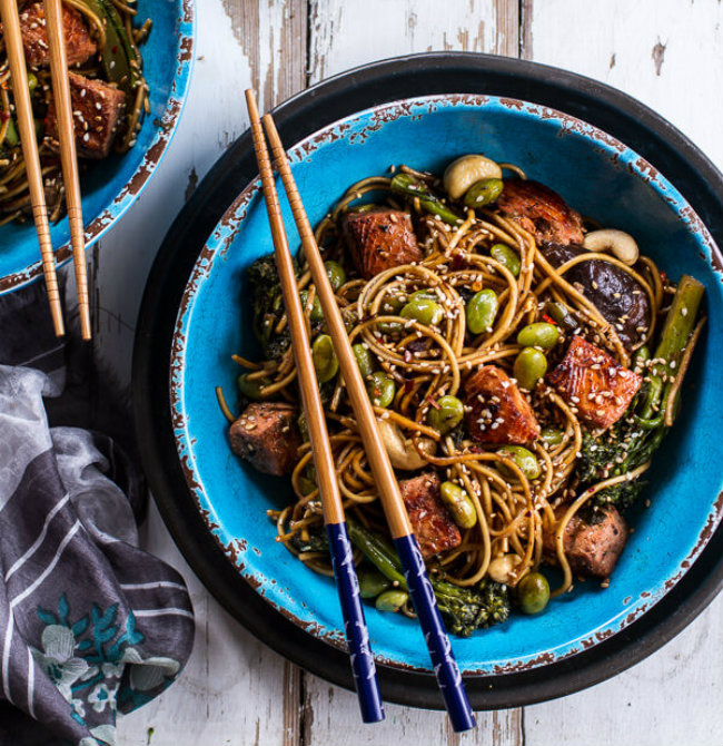 Sake-and-Ginger-Soba-Noodle-Salmon-Stir-Fry-1