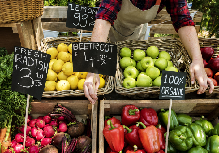 an organic market food stand