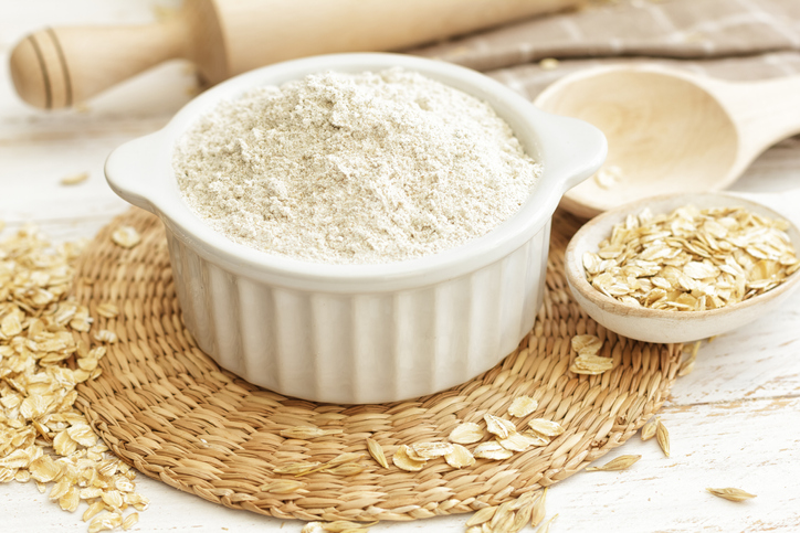 Oat flour with raw oats