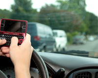 Make Texting While Driving Illegal in Florida